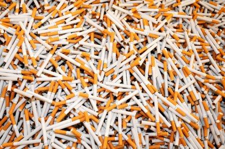 Врачи рассказали, в чем причина тяги к никотину