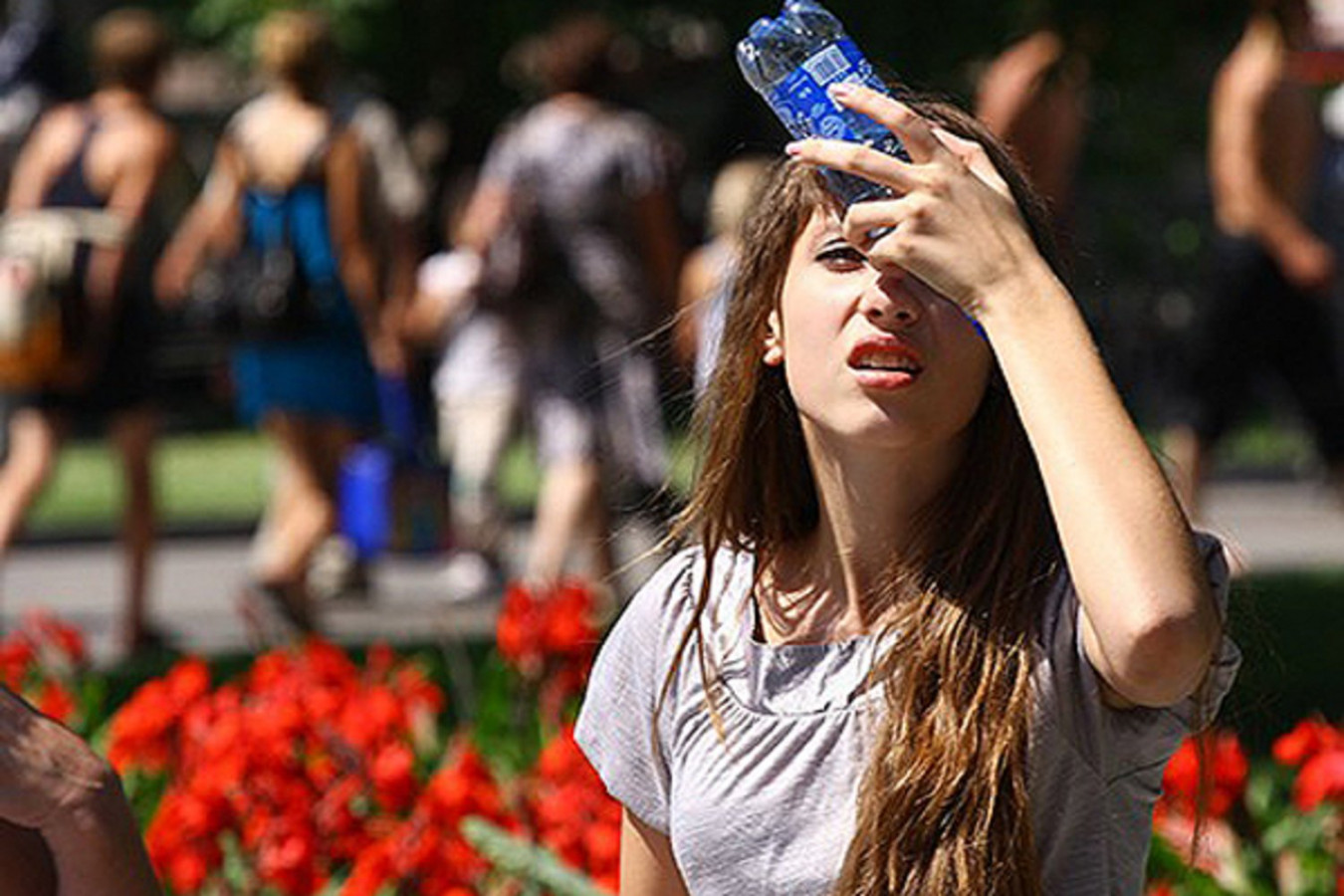 Почему опасно выходить на улицу в жаркую погоду в пандемию