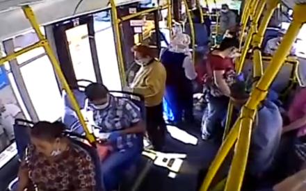 В Казани между пассажирами автобуса произошел конфликт